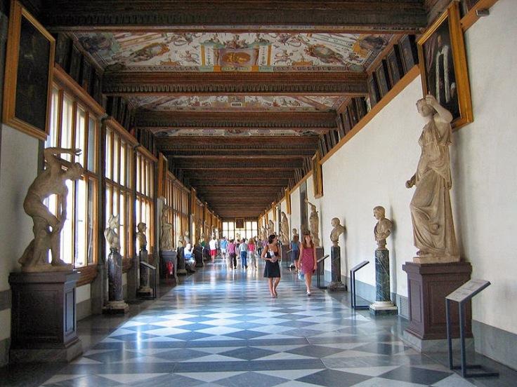 f4e00-uffizi_hallway