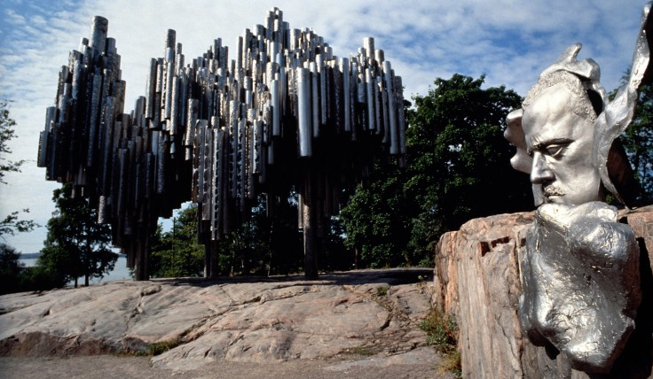 Header_sibelius_monument_nature_statue