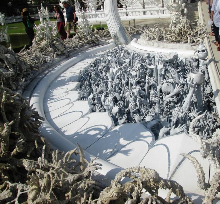 chiang-rai-white-temple1