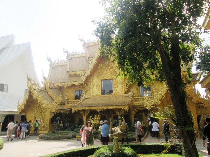 Chiang Rai - White Temple7.jpg