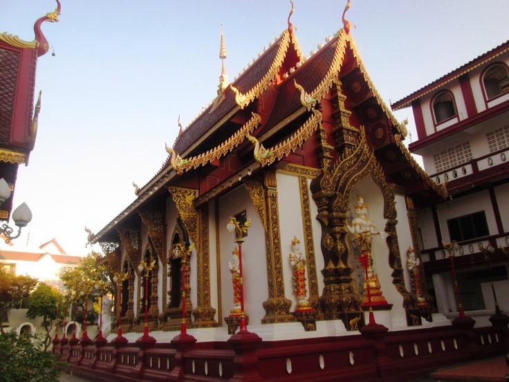 Wat Hua Khuang.jpg