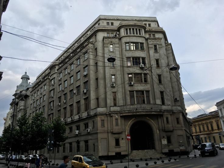 Bucharest building.jpg